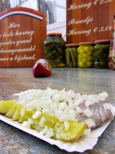 herring with pickle and onion